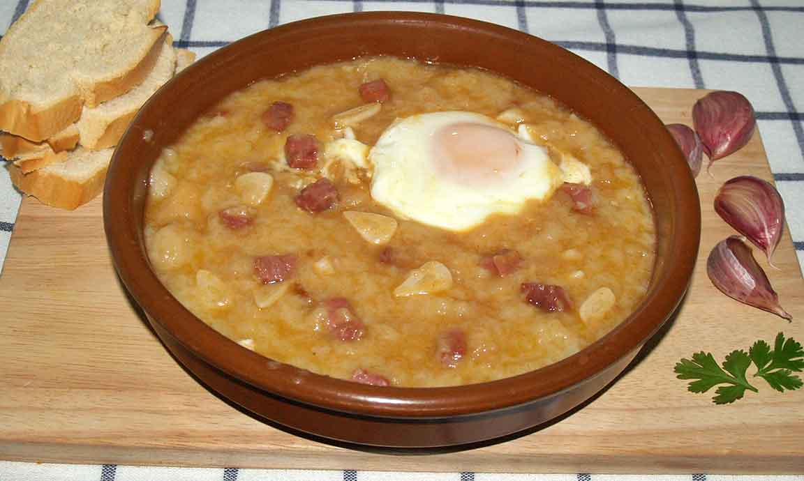Sopa de ajo o sopa castellana receta tradicional como la - Sopa castellana casera ...