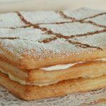 Tarta milhojas de crema y nata