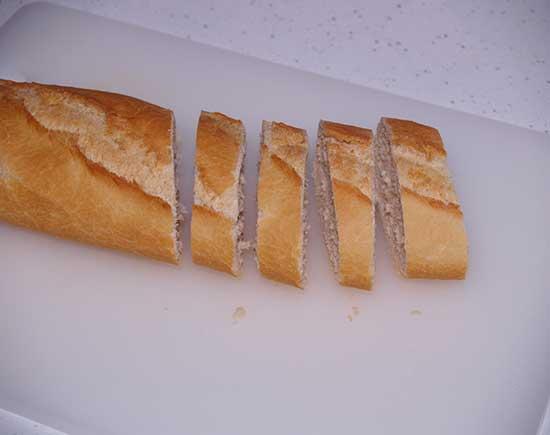 montaditos de solomillo y queso brie