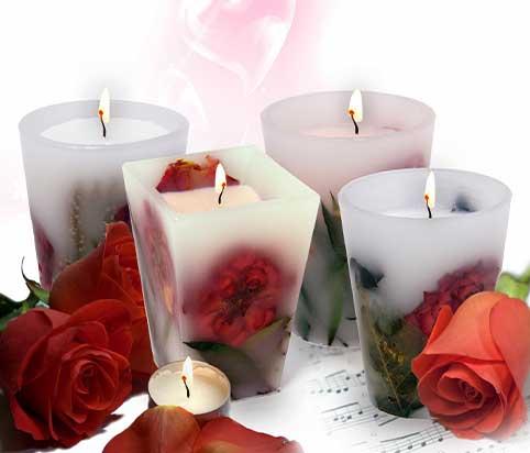 velas-flotantes-con-rosas-dentro