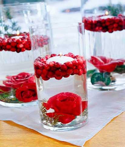velas-flotantes-en-jarrones-redondos-con-rosas