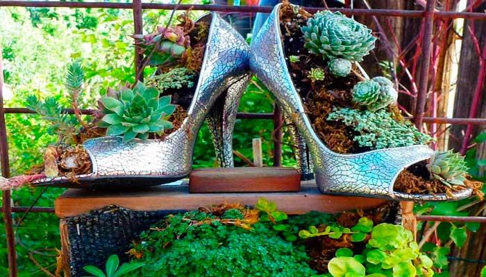 macetas,-reciclaje,-plantas,-zapatos-de-tacon,-zapatos-plateados