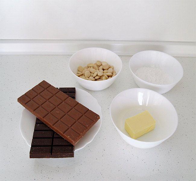 Turrón de chocolate con almendras