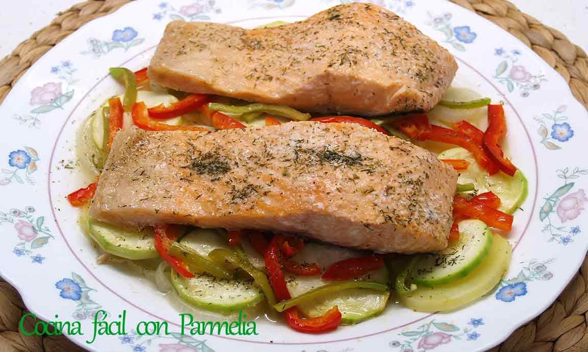 Salmón con verduras al microondas