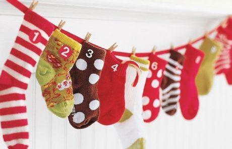 calendarios-de-adviento-hecho-con-calcetines-desparejados