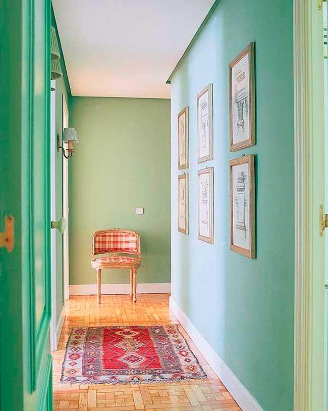 Colores ideales para pintar pasillos estrechos la for Colores para pintar puertas de interior