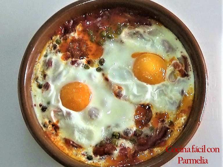 Huevos al plato en microondas