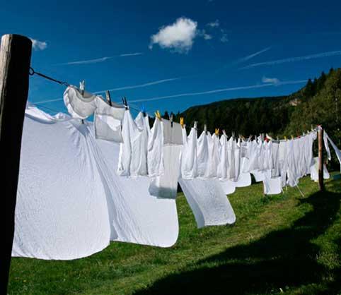 eliminar manchas, Trucos para blanquear la ropa