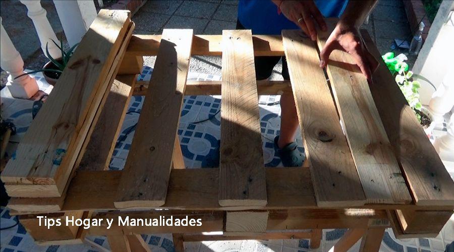 Mesa de centro con palets reciclados