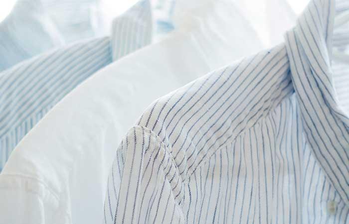 planchar-ropa,-camisas-colgadas,-camisas-lavadas,-camisas-en-perchas