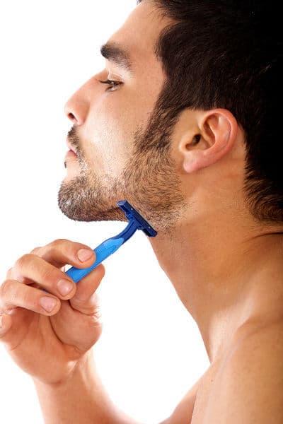 afeitarse-con-una-cuchilla