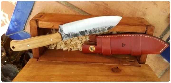 acero o carbono cuchillos nordicos