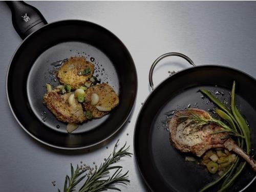 cocinando carne y verduras con wmf ceradur profi