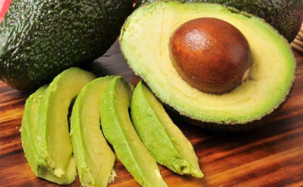 Que te ocurre si comes aguacate en ayunas, un excelente alimento repleto de energia y salud